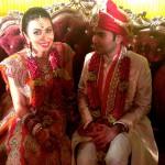 Жених и невеста после обряда вар малы.