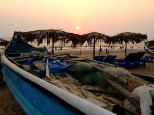 Красный закат на пляже Калангут.